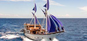 2_phinisi_sailing_raja_ampat_indonesia_ocean_pure