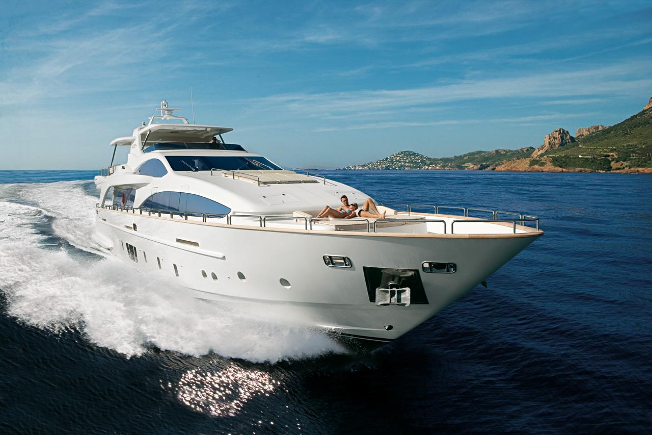 Azimut Grande 105 superyacht by Azimut Yachts