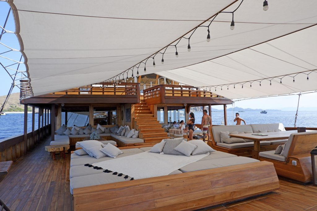 an afternoon on Prana's main deck