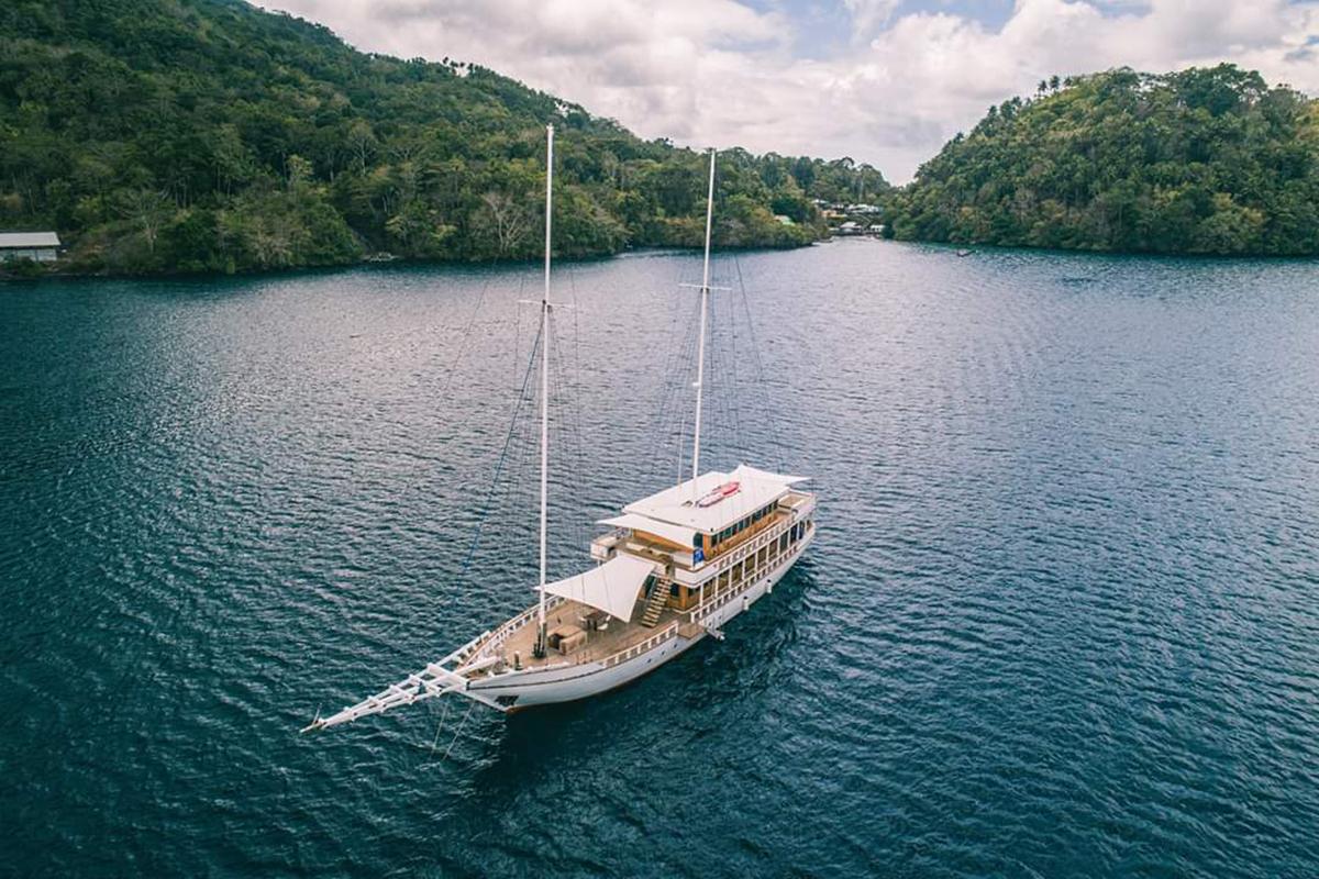 YS_Charter_Voyage_Fenides_Header