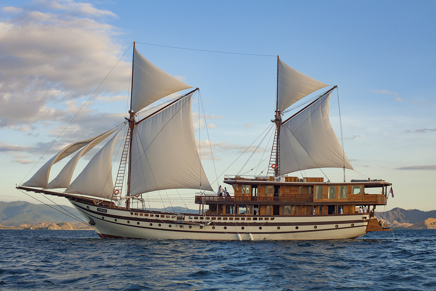PHINISI YACHT