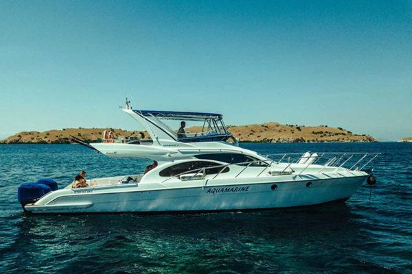 yacht charter indonesia cruise