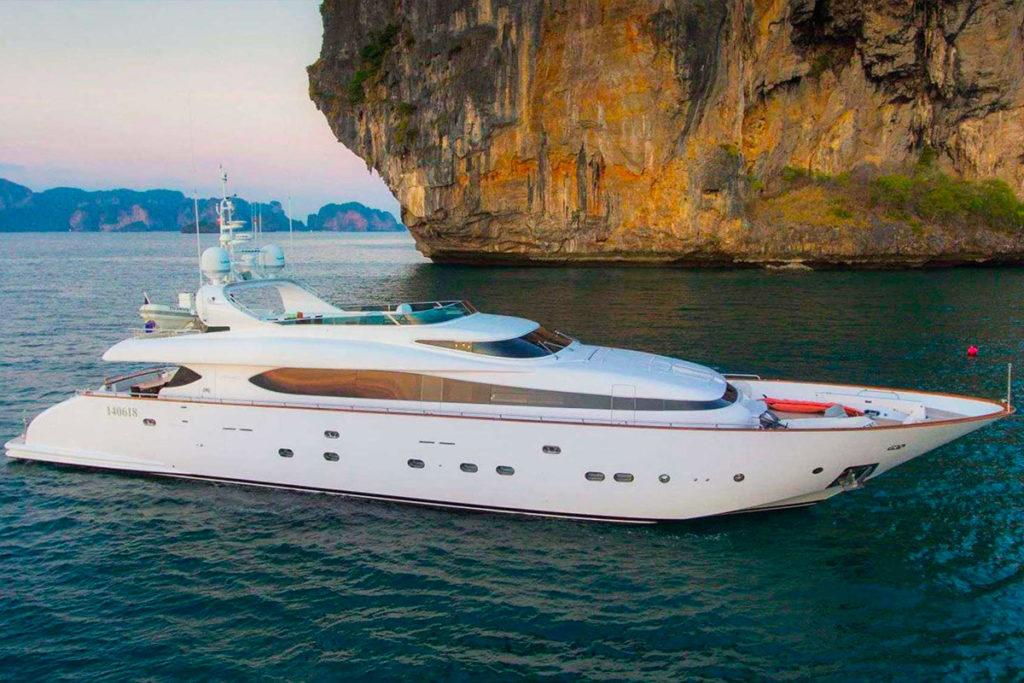 YS_Charter_Voyage_Aveline_Header