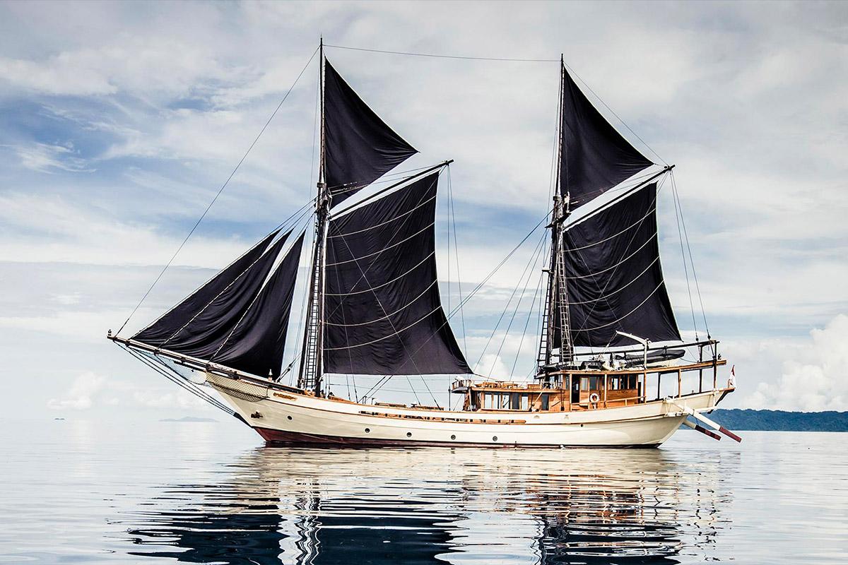 YS_Charter_Voyage_Silolona_Header
